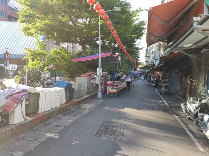 台北捷運公司有意在文昌宮到景西街設置綠籬。(台北捷運公司提供)