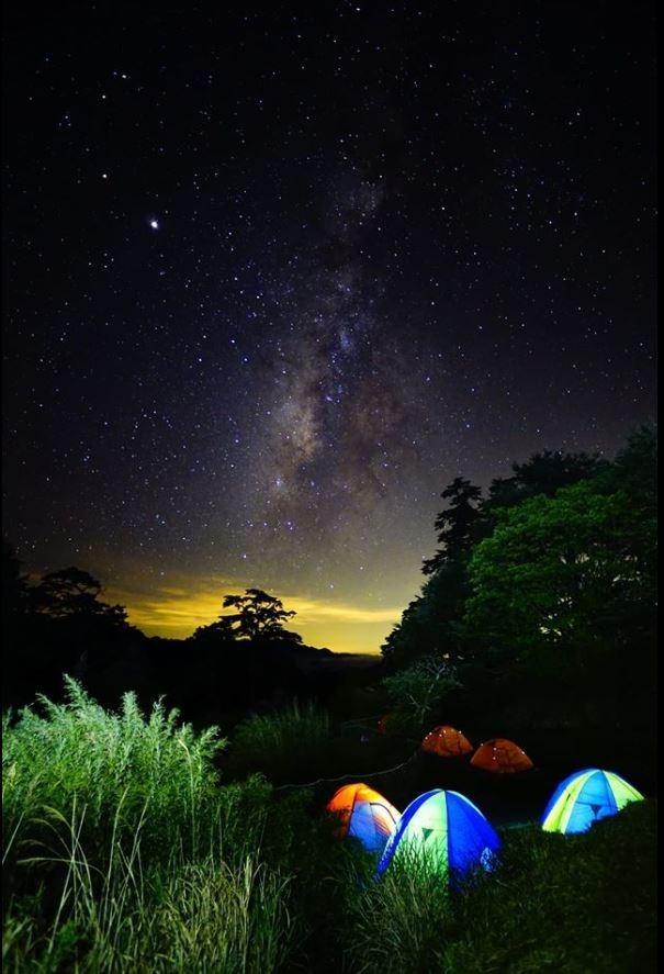 原PO貼出在海拔2860公尺拍下的美景。(圖擷自露營公社)
