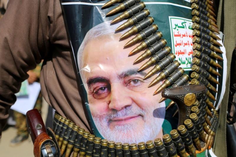 伊朗司法機關要求國際刑警組織(Interpol)發布通緝令,拘捕美國總統川普。圖為先前遭美國狙殺的蘇萊曼尼。(路透)