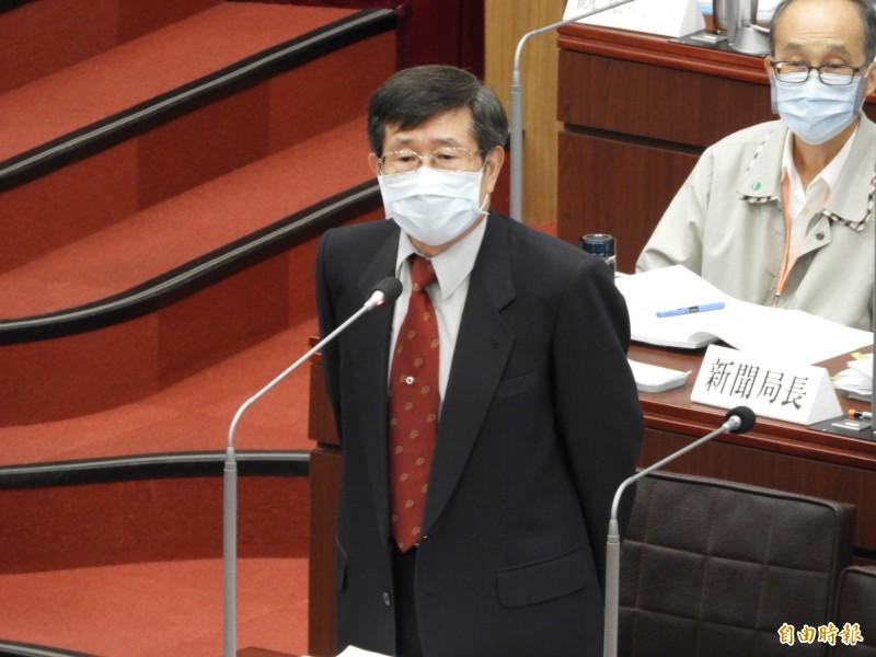 楊明州表示他在市長補選後,將回歸參事本職,也不會離開高雄。(記者葛祐豪攝)