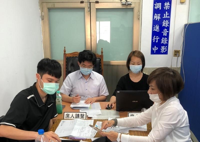 今年受受武漢肺炎(新型冠狀病毒病,COVID-19)疫情影響,中市申請勞資糾紛調解也增加。(勞工局提供)