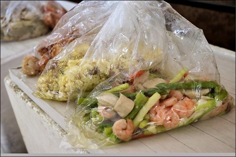 送入監所的會客菜規定嚴謹,不僅有重量限制,食材也必須去殼去骨。(資料照)