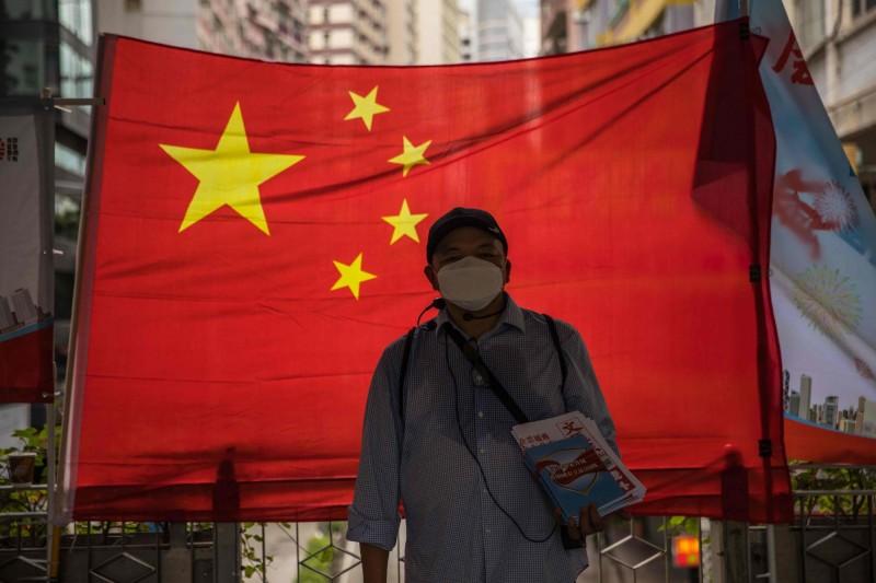 港版國安法昨日在中國全國人大常委會全票通過,針對部分條文內容規定,在3種情況下將由北京駐港國安公署對案件行使管轄權,外界擔憂這意味著被告可能被「送中」審理。圖為示意圖。(法新社)