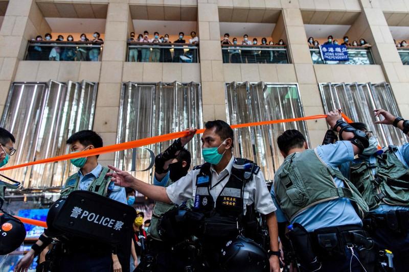 港版國安法上路後,香港警權亦被大幅擴增。(法新社)