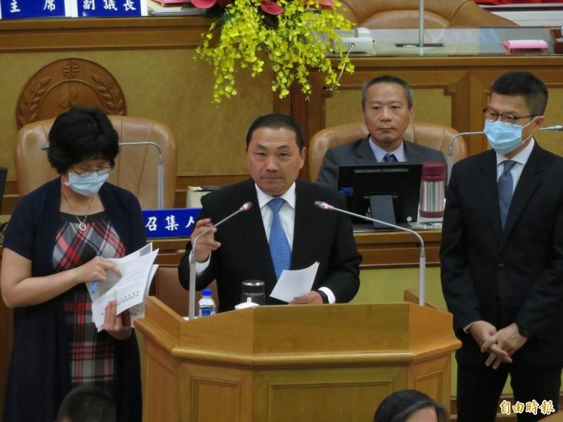 新北市長侯友宜說,會跟其他縣市聯合,一起振興經濟。(記者何玉華攝)