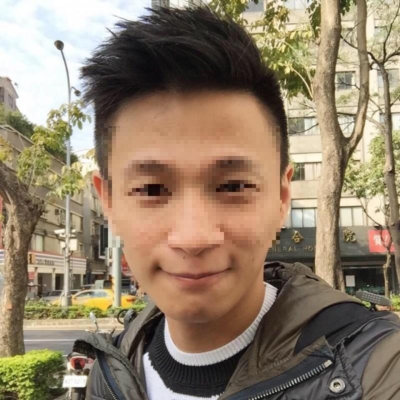 李宗哲辦校園演唱會起家,創辦環星經紀公司。(翻攝臉書)