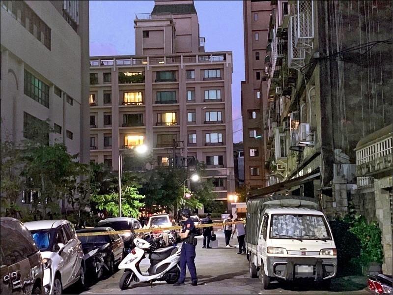 男子陳韋傑被控找來前同事對前女友潑酸,今遭判刑。圖為案發時警方封鎖現場。(資料照)