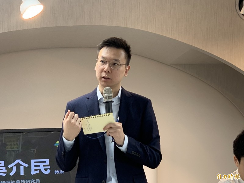 港版國安法上路,林飛帆說,台灣朝野政黨不該再有「九二共識」言論市場。(記者蔡淑媛攝)
