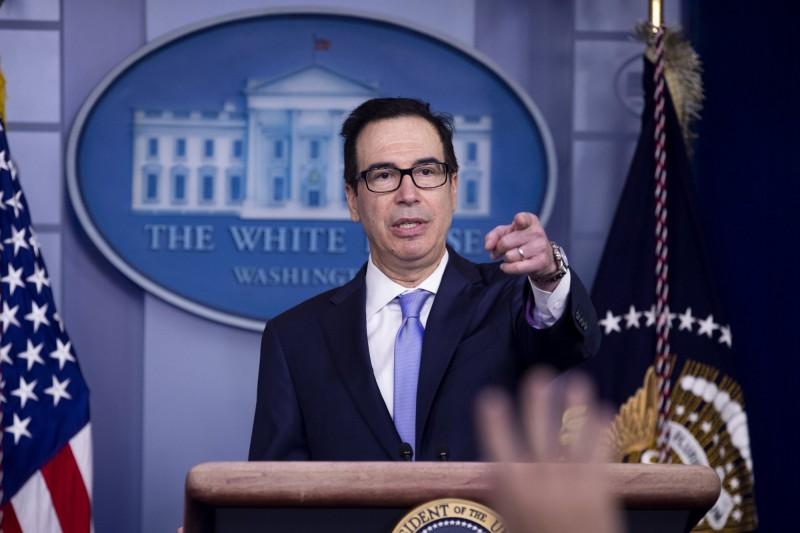 美國單日確診人數再創新高,美國財長梅努欽表示,白宮不會後悔推動經濟開放。(歐新社)
