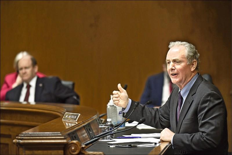 圖為美國聯邦參議員范荷倫六月十六日在聯邦參院撥款委員會的小組委員會聽證會中發言。(法新社檔案照)
