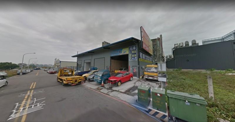 槍擊案發生地點位於順平一街的租賃車行。(記者張瑞楨翻攝GOOGLE街景)