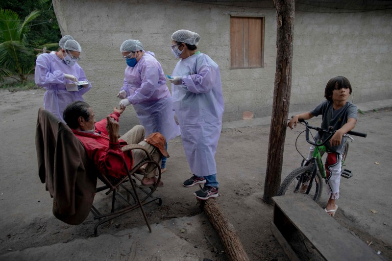 巴西疫情在全球僅次於美國,確診達153萬9081例。(法新社)