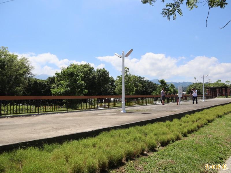 東勢客家文化園區周邊環境營造提升計畫工程完工,保留舊山城車站的月台。(記者歐素美攝)