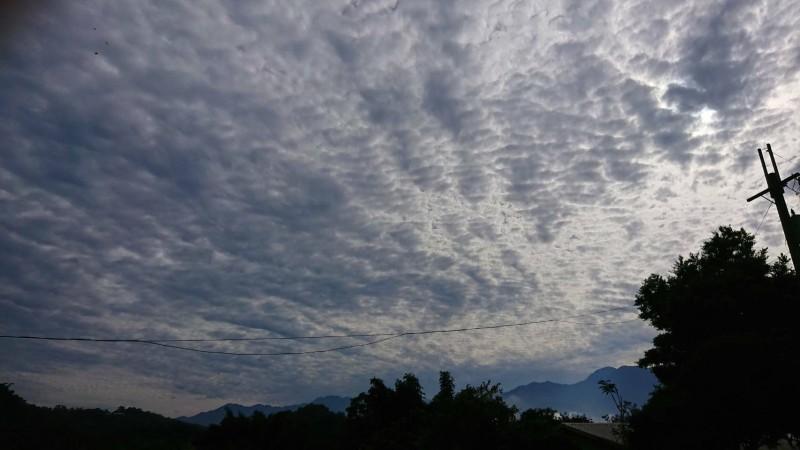 雲 2021 地震