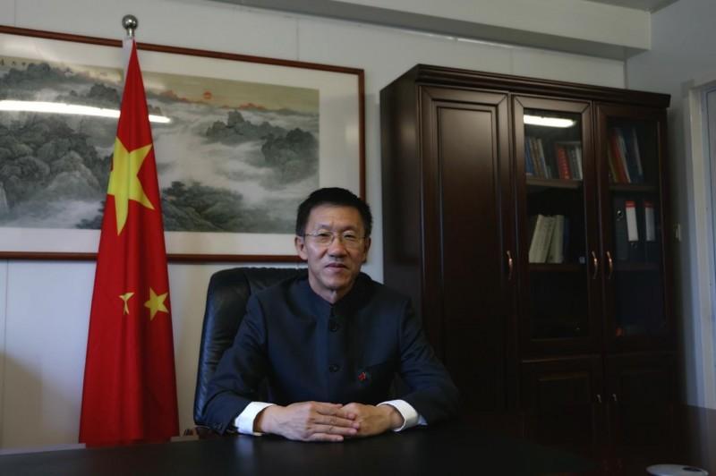中國駐索馬利亞大使覃儉。(取自中國駐索馬利亞大使館網站)