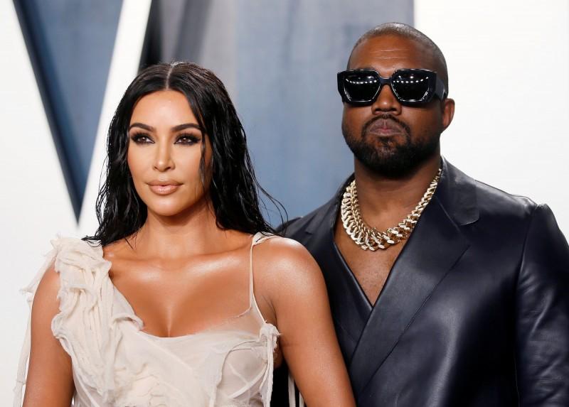 嘻哈歌手肯伊威斯特與名媛老婆金‧卡戴珊經常是媒體焦點。(路透)