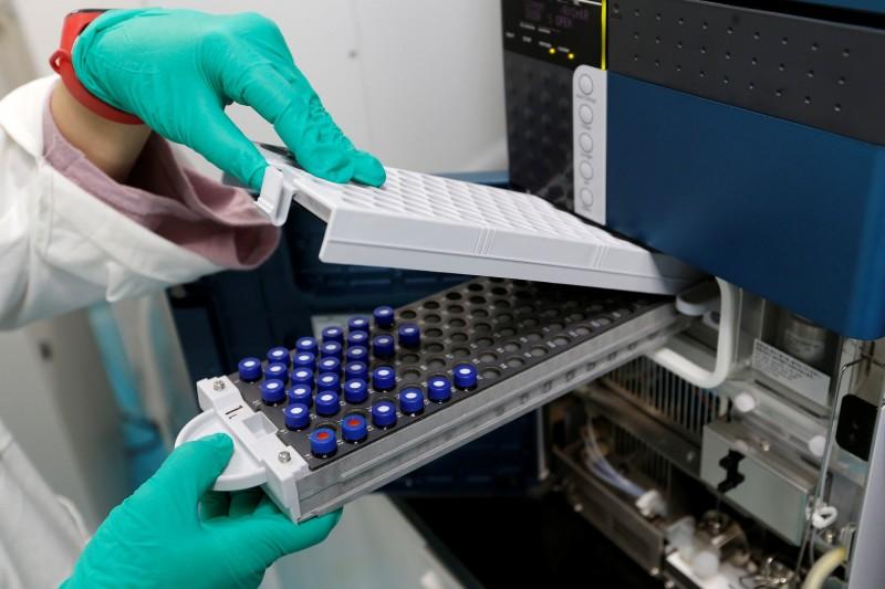 中國官方與康希諾(CanSino)生技公司合作研發武漢肺炎(新型冠狀病毒病,COVID-19)疫苗「Ad5-nCoV」,先前稱通過第一、二期的臨床試驗,並開始對解放軍人員進行接種。(路透)