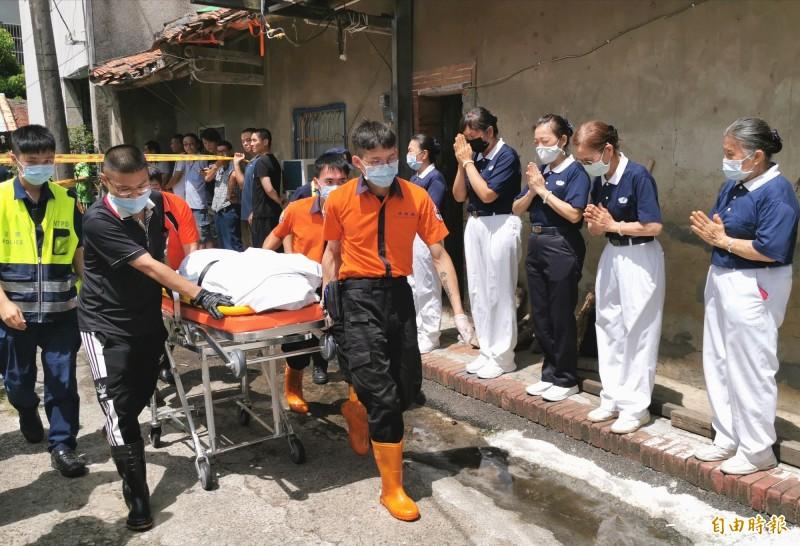 恐怖巧合?縱火嫌犯遺體送入殯儀館 竟與4罹難者相鄰