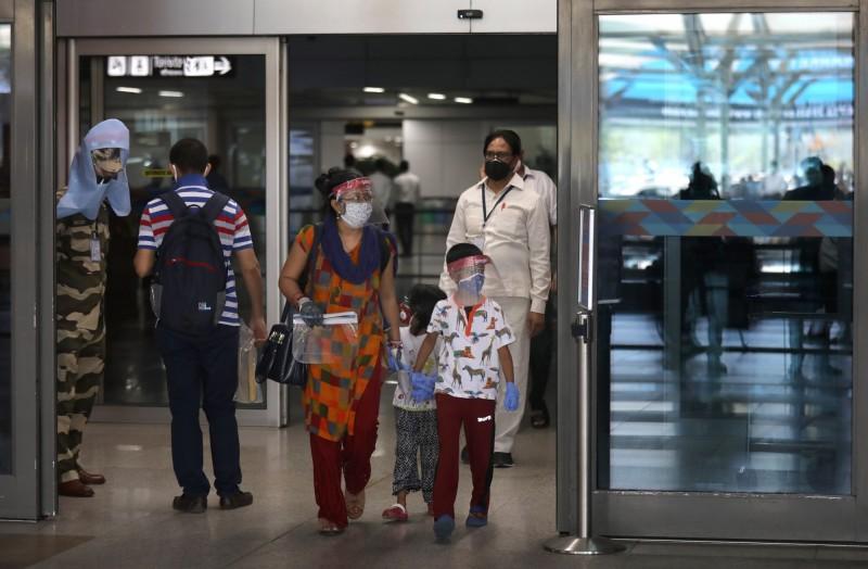 華航將在12日包機,從台北前往新德里。圖為位於新德里的英迪拉.甘地國際機場,目前印度已恢復國內航線運作(歐新社)