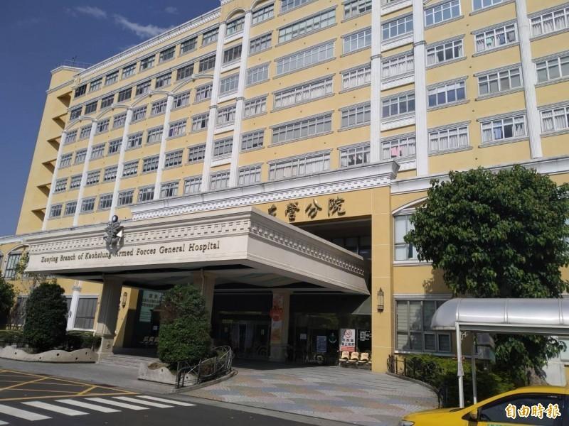 國軍高雄總醫院左營分院繼昨天凌晨0時36分宣告上兵蔡博宇不治後,傍晚6時29分又宣告上士陳志榮急救無效死亡。(資料照)