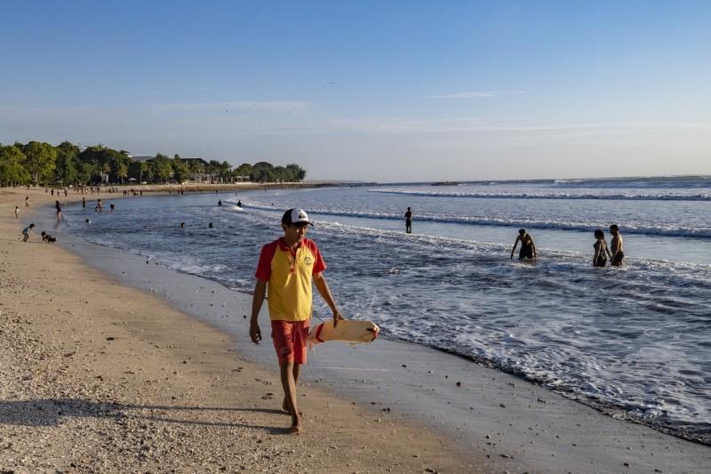 印尼度假勝地峇里島宣布將重新對外開放,週四當地人將可前往,而外國遊客則需要等到9月11日才可登島旅遊。(歐新社)