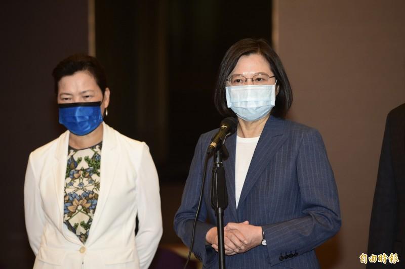 港版國安法對台管很大,蔡總統今出席外貿協會50週年茶會受訪表示,若對台灣造成傷害,或有不合理的現象,「會考慮反制措施」。(記者叢昌瑾攝)