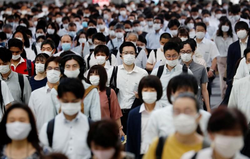 日本武漢肺炎疫情面臨復燃,截至日本時間今天(7日)晚上8點16分,全日本今日新增211人確診,並有1人宣告不治,其中,東京都占單日確診人數近半,共106人。(路透)