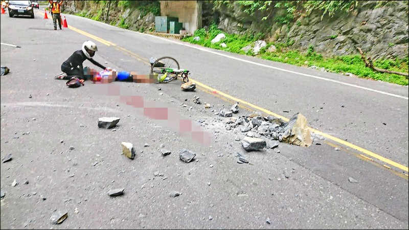 日籍車友白井寬之,3年前行經中橫公路九曲洞附近遭落石砸中身亡,家屬跨國提出國賠,被法院駁回。(記者張議晨翻攝)
