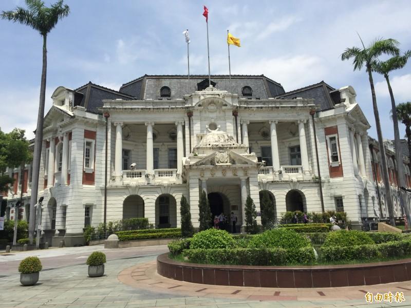 中市官舍大搬遷,環保、都發13日起將不再在台中州廳辦公。(記者蘇孟娟攝)