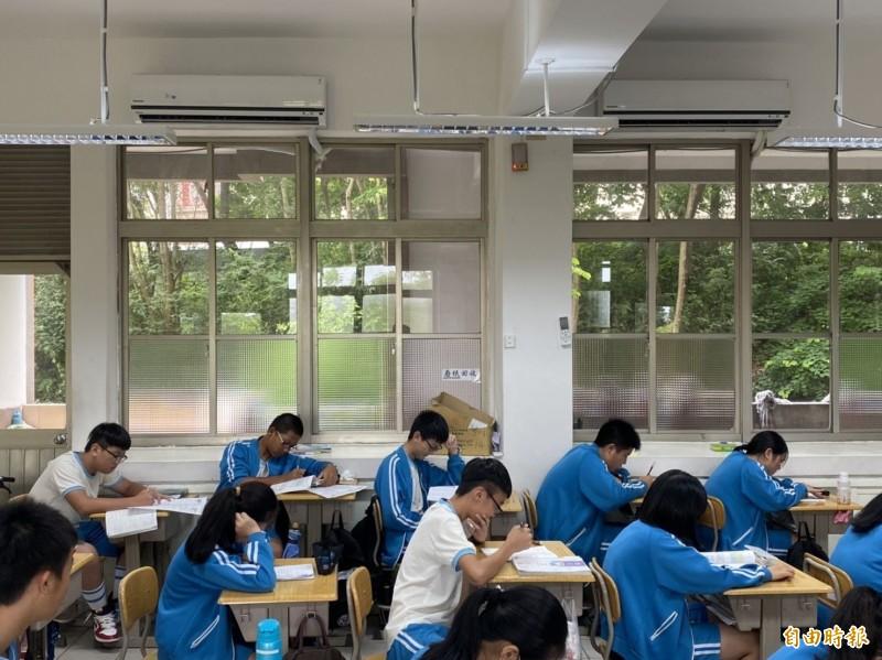 金門共有24所國中、國小,所有教室都已安裝冷氣。(記者吳正庭攝)