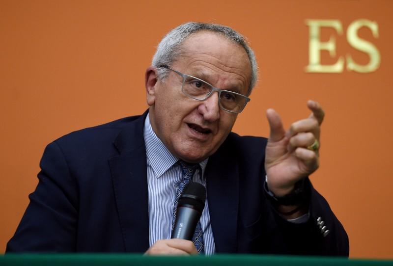 現任世貿組織秘書長阿茲維多將在8月31日卸任,目前已有多位候選人角逐該項職務;其中,墨西哥籍的塞亞德(見圖)表示,「中國最依賴WTO,雖然不容易說服,但不至於推翻世貿組織」。(法新社資料照)