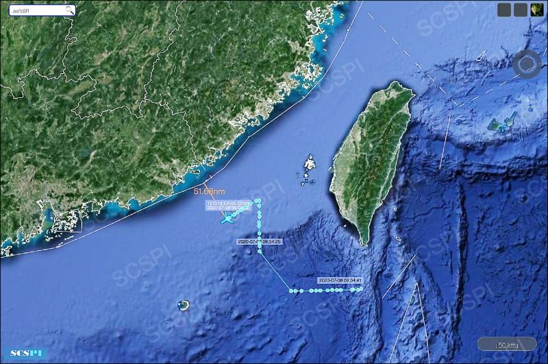 美軍EP-3E電偵機貼近飛中國偵搜。(取自推特)