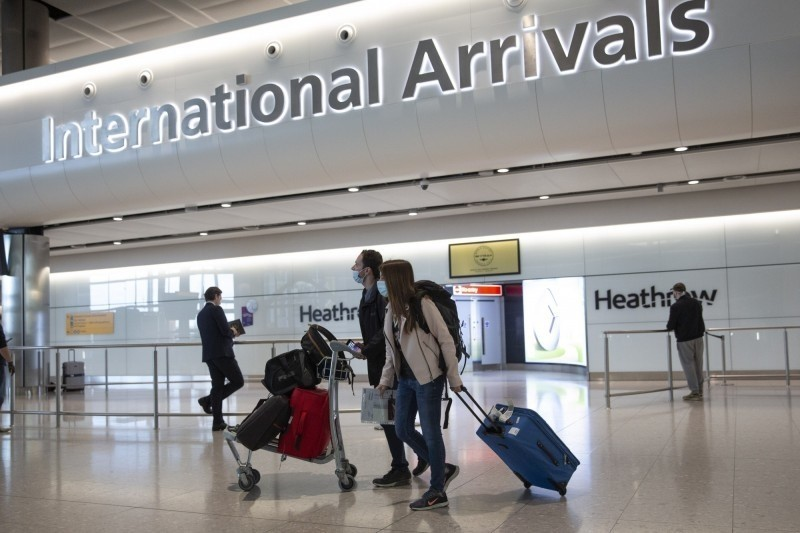 英國政府首批入境免隔離檢疫名單包括台灣,明起台灣出發旅客將可免隔離14天,該措施目前適用於入境英格蘭和蘇格蘭,威爾斯及北愛爾蘭地區將另宣佈執行細節。(美聯社)