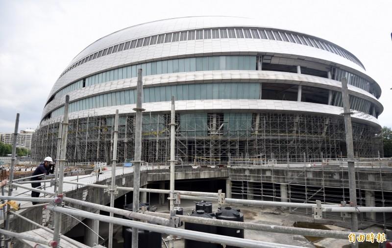 台北市政府下週就要發大巨蛋建照變更准許復工。(資料照)