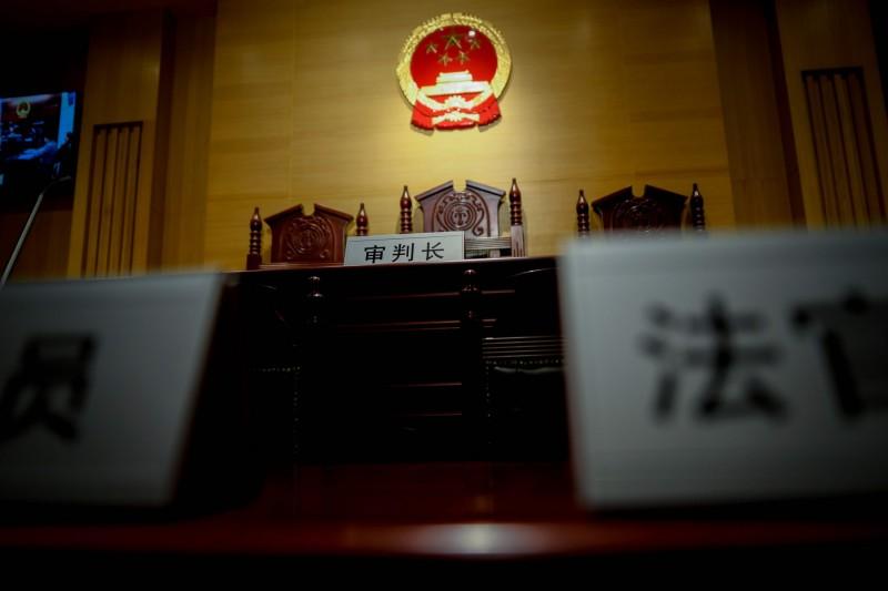 中國雲南一名24歲男子今年2月去夜唱被2名防疫人員攔下,竟直接將2人殺死,最後被法院判處死刑,並於今天執行完畢。示意圖。(法新社)