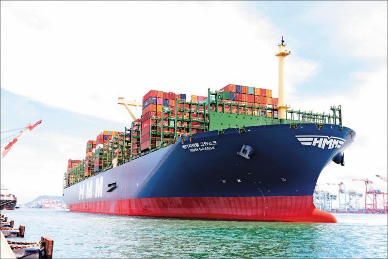 巴拿馬籍大型貨櫃輪「韓遠格但斯克(M/V HMM GDANSK)號」,昨首航高雄港,格但斯克號也是目前世界上最大的貨櫃輪。(圖:台灣港務公司提供)