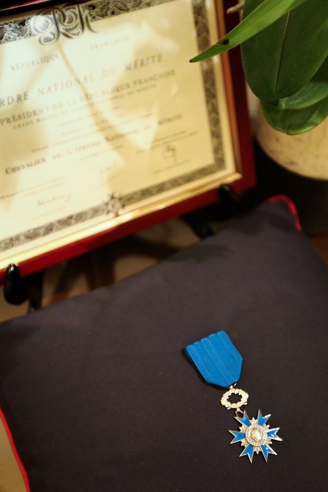 法方指出,法國國家功勛騎士勛位(見圖)重要性僅次於法國國家榮譽軍團勛位。(圖取自法國在台協會)