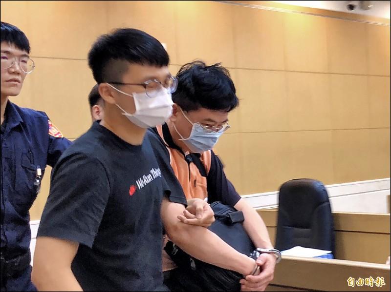 53歲廖姓補教老師涉嫌偷拍,被依3萬元交保。(記者錢利忠攝)