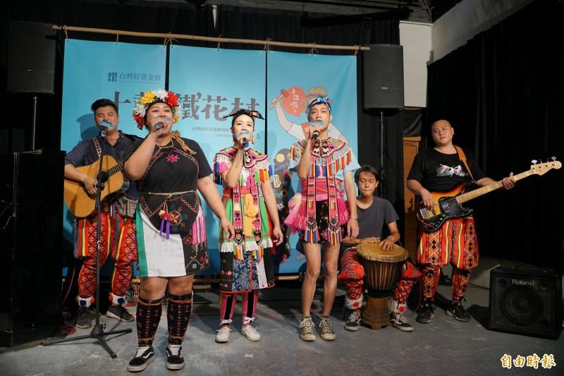 鐵花村是東部音樂人回家唱歌的最佳舞台,成立10年來舉辦超過2700場次各類型節目演出。(記者陳賢義翻攝)(記者陳賢義攝)