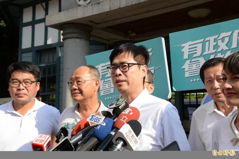 對柯文哲的懲罰說,陳其邁回應若當市長「只有高雄隊,沒有『邁』團隊」。(記者許麗娟攝)