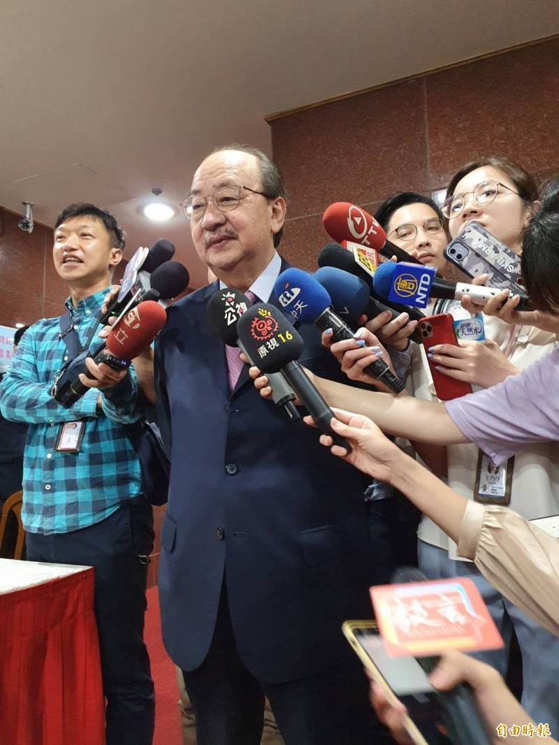 柯建銘表示,國民黨一直秀下限、弱化,非台灣政治之福。(記者謝君臨攝)