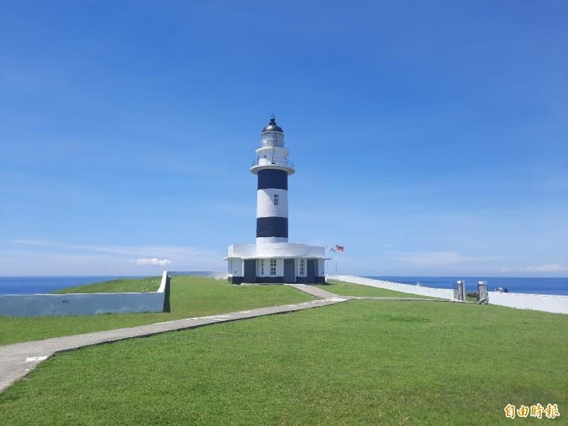 東吉燈塔見證東吉島盛衰歷史,現已成為觀光重鎮。(記者劉禹慶攝)