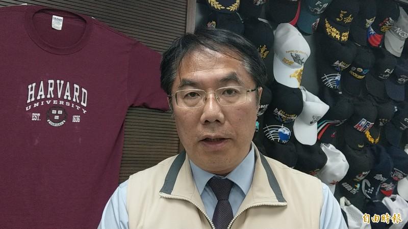 台南市長黃偉哲(見圖)表示,對於台南市警察局長周幼偉去職感到不捨,尚未接到接任人選的通知。(記者劉婉君攝)