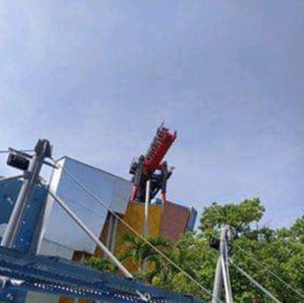 遊客卡在10層樓高!麗寶樂園雲霄飛車 訊號異常卡半空中