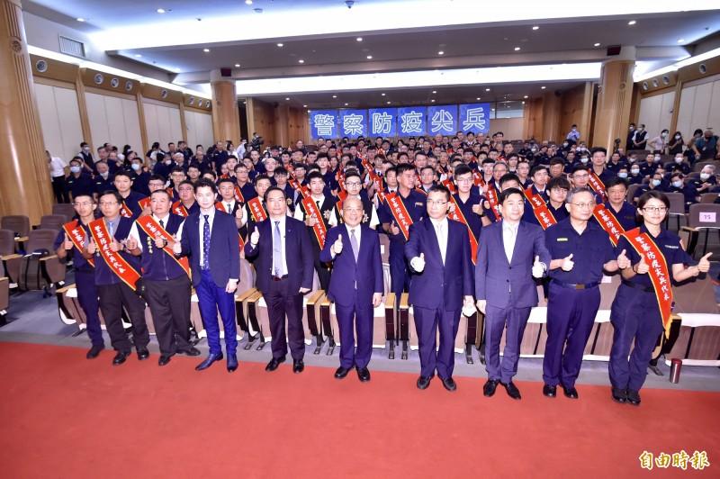 行政院長蘇貞昌上午出席警政署「警察防疫尖兵」表揚活動。(記者塗建榮攝)