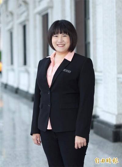 鄭孟洳去年底還沒瘦身前在議會照片。(記者王榮祥翻攝議會官網)