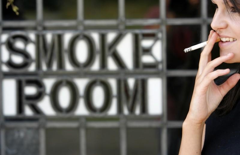 英國調查發現,在武漢肺炎大流行期間,大約有100萬英國人戒菸,創10年新高。(路透)
