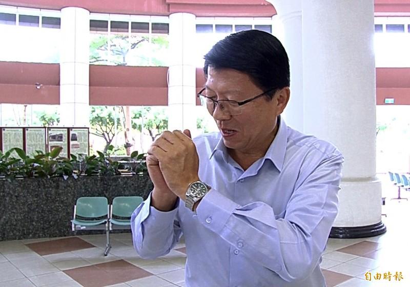 國民黨副秘書長謝龍介證實已請辭台南市黨部主委一職。(記者蔡文居攝)
