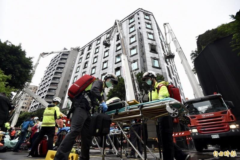 北市錢櫃KTV林森店在4月底發生大火,造成6死55傷,現在有21名受害者提出團體訴訟。(資料照)