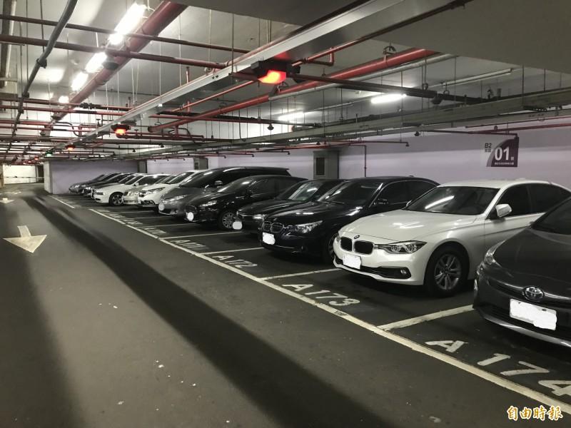 網友討論全台哪座停車場的設計最瞎。示意圖,非本新聞事件。(資料照)